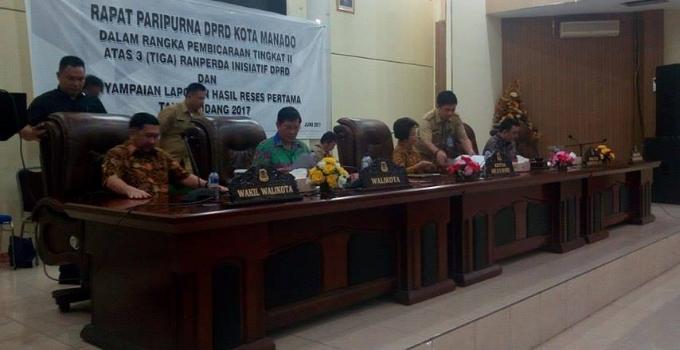 Rapat paripurna DPRD Manado dihadiri Walikota Vicky Lumentut dan Wawali Mor Bastiaan
