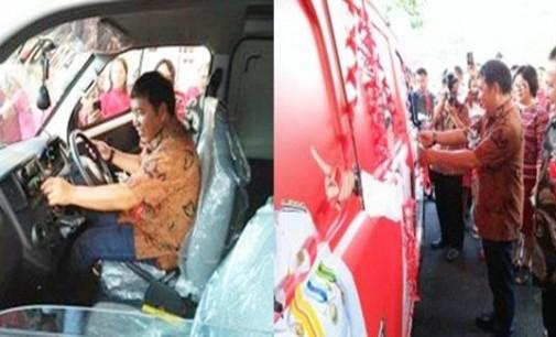 Bupati Sumendap Resmikan Pengoperasian Mobil Ambulance Desa Lobu Satu