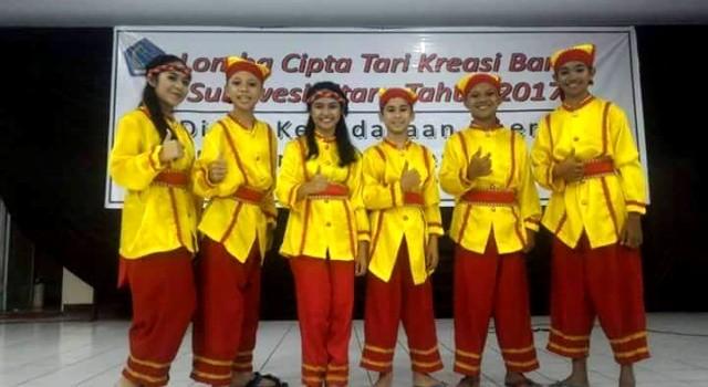 Tim musik karawitan Sanggar Seni Mandiri Manado