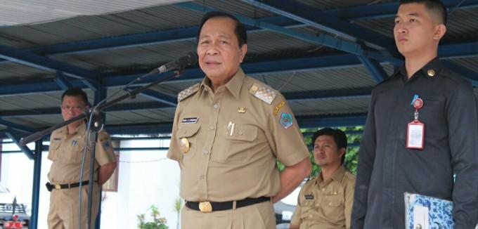 Walikota ketika pimpin upacara usai libur panja ng