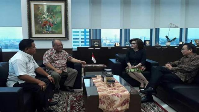 Bupati Minahasa Selatan, Christiany Eugenia Paruntu, SE di Kantor BNPB Jakarta