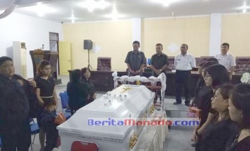 DPRD Minut Beri Penghormatan Terakhir pada Jenazah JOUBERT SENGKE