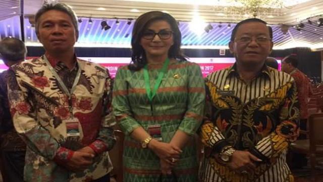 Bupati Minsel Christiany Eugenia Paruntu SE, Wabup Franky Donny Wongkar SH dan Sekdakab Drs Danny Rindengan