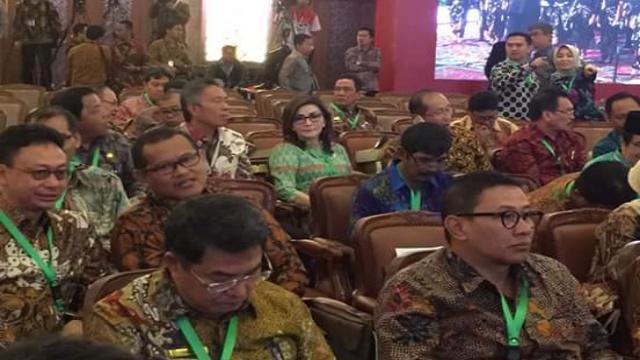 Bupati Minsel Christiany Eugenia Paruntu SE dan Wabup Franky Donny Wongkar SH Dalam Pelaksanaan Rakornas
