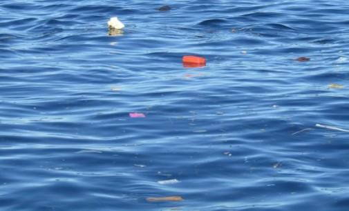 Sampah Kepung Teluk Manado, Pemerintah Daerah Terkesan Lepas Tangan