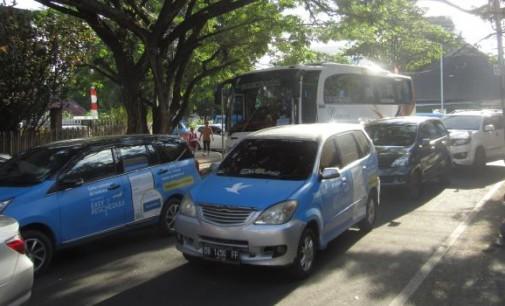 Mobil Baru Tak Terbendung, Kota Manado Terancam Lumpuh