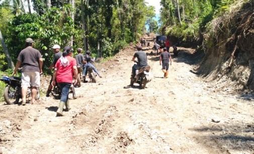 Akses Jalan Menuju Lokasi Pertanian Warga Desa Towuntu Barat Dibuka