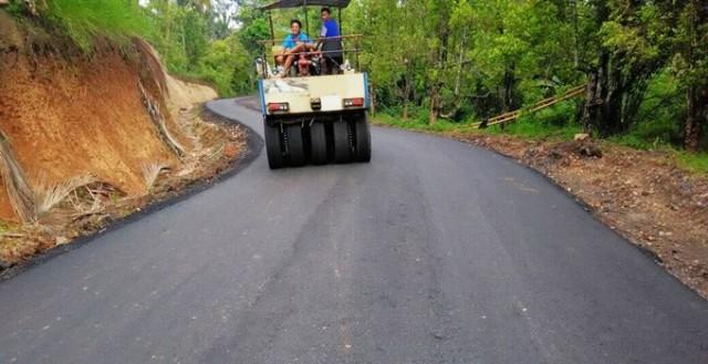 Pembangunan jalan nasional yang menghubungkan Minut dan Bitunf terkendala tuntutan ganti rugi lahan.
