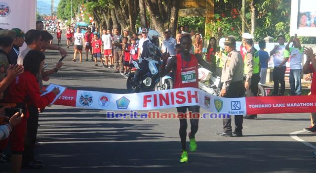 Lomba Lari Maraton salah satu kegiatan Fesbudaton 2017