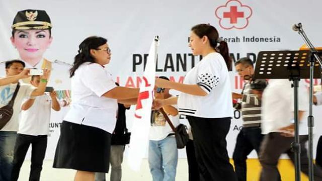 Ketua PMI Minsel dr Michaela Elsiana Paruntu