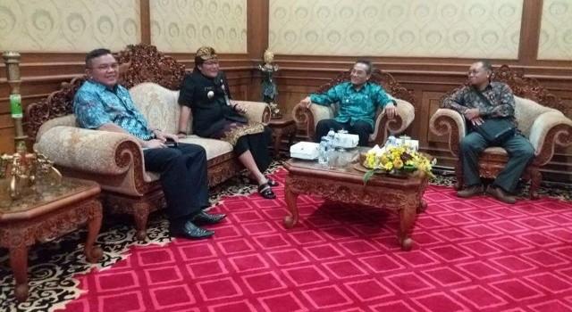Diskusi hangat tentang pengembangan pariwisata di Kabupaten Badung dan hal-hal yang bisa diimplementasikan ke Kabupaten Minut.