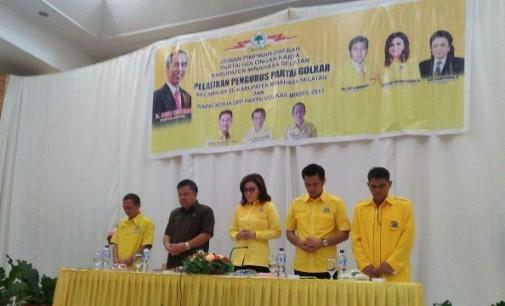 TETTY PARUNTU Lantik Pengurus Kecamatan, AMPG, KPPG Partai Golkar Minsel