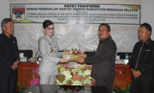 DPRD Minsel Paripurna Hak Keuangan Dan Administratif Pimpinan Dan Anggota