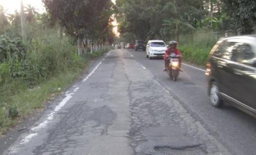 Astaga !!! Worang By Pass Ruas Nasional seperti Jalan Roda