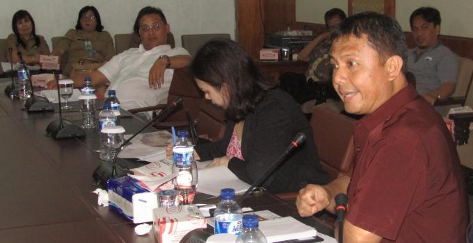Sikap tegas JEMS TUUK di rapat Komisi 1 bersama BAPPEDA Sulut