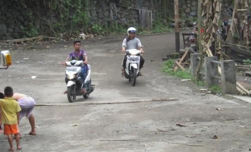 Masyarakat Kampung Langowan Menunggu Janji Kadis PETER ASSA