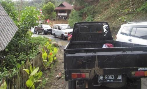 Ruas Suluan Penyebab Kemacetan Parah, Pemerintah harus Hentikan Tradisi Pengucapan !!