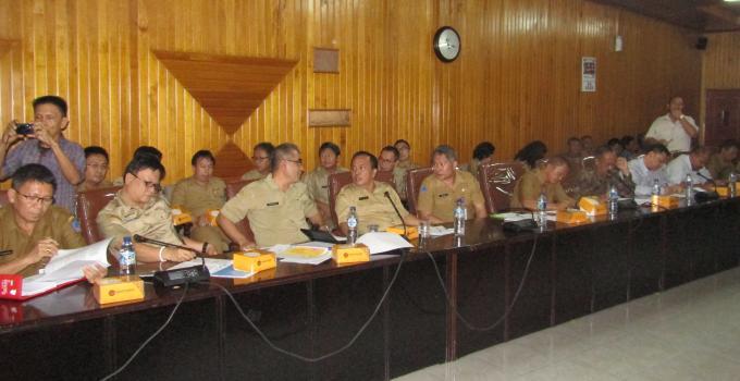 Arie Bororing dan beberapa kepala SKPD hadir di hearing gabungan DPRD Sulut bersama pimpinan PT KKI
