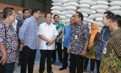 Di Gudang Beras, Walikota Curhat Masalah Perikanan Bitung ke Komisi VI DPR RI