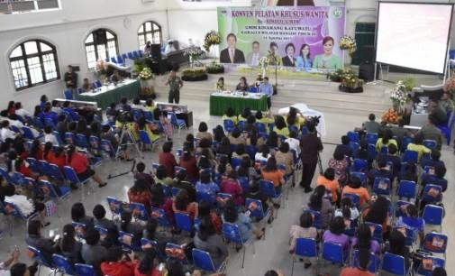 Jadi Pemateri di Konven Pelayan Khusus Wanita GMIM, Mayjen TNI Ganip Warsito Ingatkan Pentingnya Pancasila