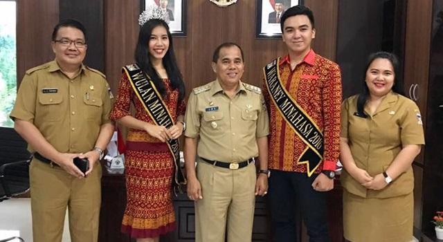 Sandy dan Ribka bersama Bupati Minahasa Drs Jantje Wowiling Sajow MSi