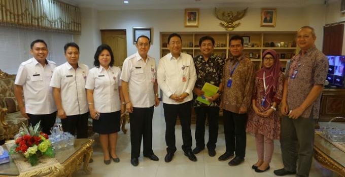 Foto bersama pejabat LIPI dan Pemprov Sulut