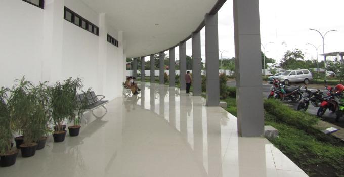 Gedung DPRD Sulut entrance