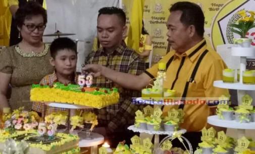 Didominasi Warna Kuning, DENNY WOWILING Rayakan HUT ke-53