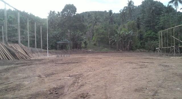 Lokasi pembukaan TMMD ke-100 di Desa Makalisung, kini sudah hampir siap.(foto: Kodim 1310/Bitung)
