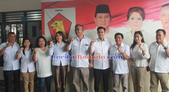 JAK bersama dengan pengurus Partai Gerindra Kabupaten Minahasa