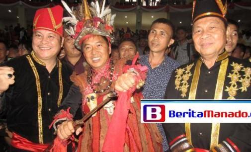 """JAMES SUMENDAP Pemenang """"Perang Adat"""" di Paripurna HUT Sulut, Ini Foto-foto Menarik"""