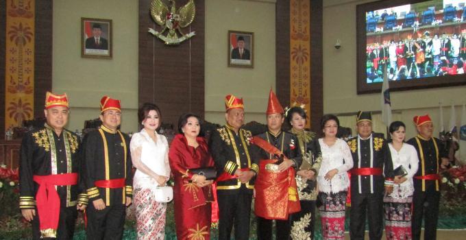 Paripurna HUT Sulut gubernur wagub dan pimpinan dewan
