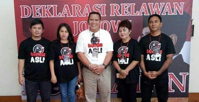 Jopie Komaling bersama pengurus Kombatan Sulut