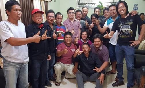 STEFEN SUPIT Membaur Dengan Pengurus Ranting PDIP Kawangkoan Raya