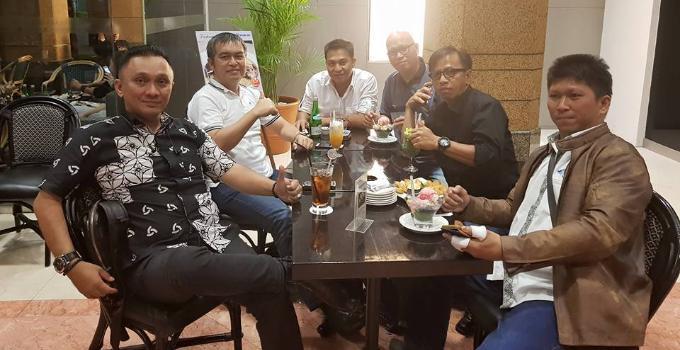 Sambut baik kehadiran WAPENA Sulut. Pimpinan DPW IWO: Ketua DPW Victor Rarung, Ketua Dewan Etik Hanny Sumakul, Franny Sengkey, Sonny Tadjure, Vernando Adam dan JerryPalohoon