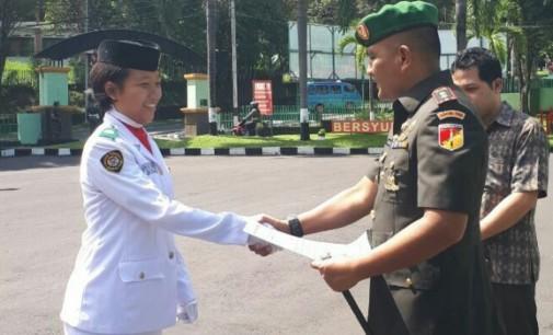 Letkol Arm Johanes Toar Pioh Serahkan Piagam Penghargaan, Apresiasi Kerja Keras Satu Bulan Paskibraka Manado