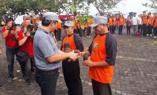 STEVEN KANDOUW Pimpin Apel Relawan dan Bersih Sungai