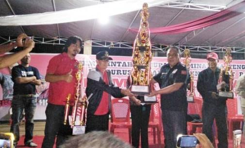 Tombatu Dua Barat Juara Lomba Koor Gaya KNPI Silian Raya