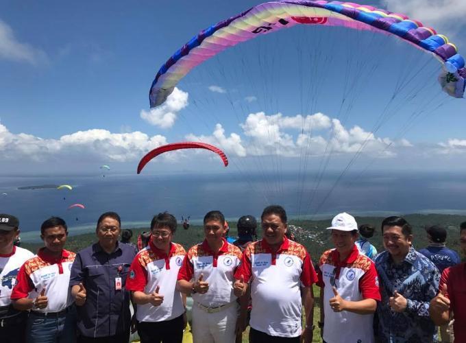 Kegiatan paralayang internasional di Gunung Tumpa beberapa waktu lalu