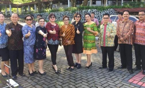 Kereeenn… ASN Minut Rame-rame Pakai Batik
