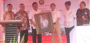 Menteri IGNASIUS JONAN Resmikan Sumur Bor Air Bersih di Minut