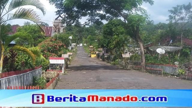 Jalan di Desa Kota Menara