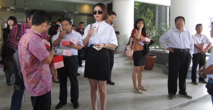 Investor China di lobi Kantor Gubernur usai penandatanganan MoU