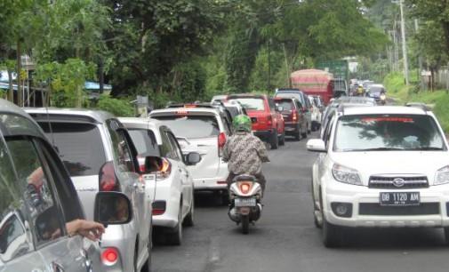 Paripurna HUT Provinsi terjadi Macet Hingga Dua Jam, Ruas Kairagi-Interchange harus Secepatnya Dilebarkan