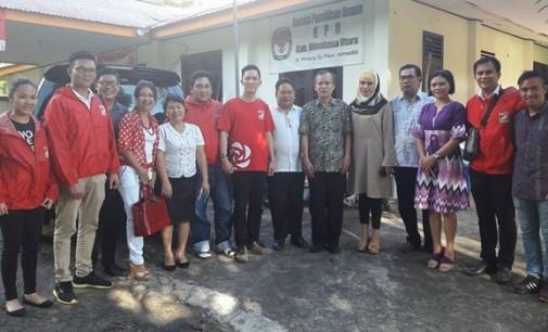 MELKY PANGEMANAN Dampingi PSI Minut Daftar ke KPU