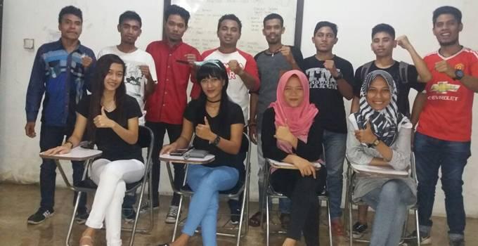 Para mahasiswa Maluku Utara yang tergabung dalam Gerakan Mahasiswa Maluku Utara