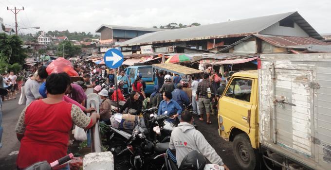 Pasar Pinasungkulan Karombasan