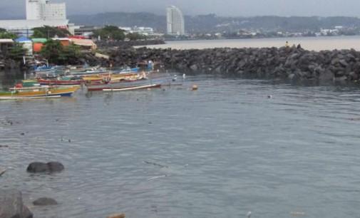 Pantai Manado di Penuhi Sampah, Ini Saran WENNY LUMENTUT