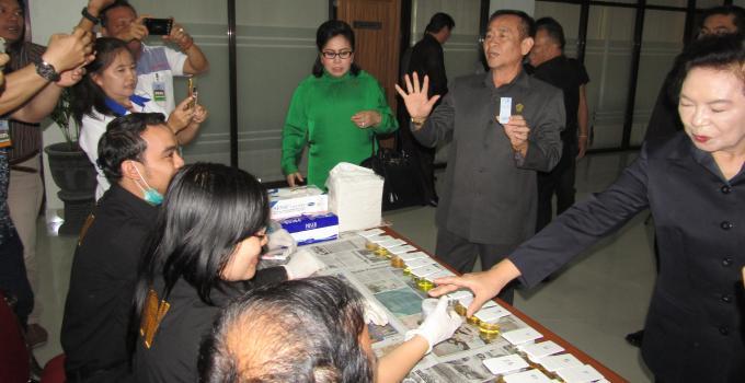 Tes urin di DPRD Sulut, Selasa (17/10/2017)