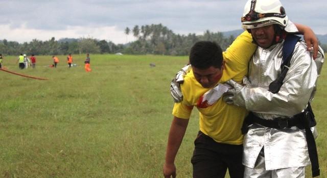 Proses evakuasi korban